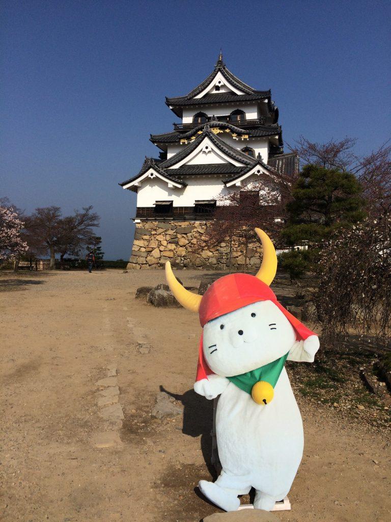 琵琶湖と彦根城とビジネスマンの美的感性