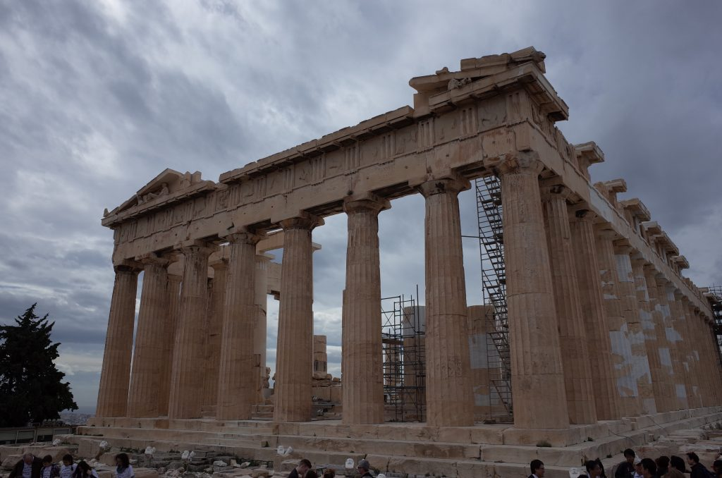 世界遺産パルテノン神殿にて信仰心と国家の破綻を思う-ギリシャ訪問記2